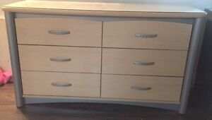 Like New - Modern Dresser Set