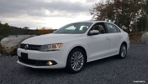 2012 VW Jetta Highline TDI w/ NAV & Leather
