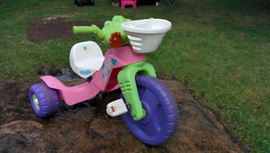 Tricycle pour enfants Fisher Price