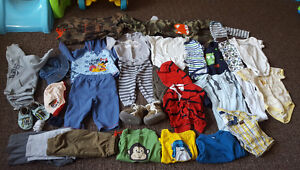 30+ PIECES CLOTHING LOT 6-12 MONTHS (MOSTLY 9+)