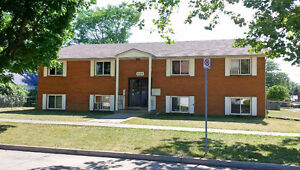Spacious 2 Bedroom Apartment Close to University of Windsor