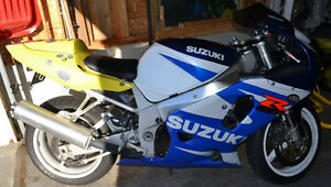 GSXR-750 Certified and Ready to Ride Kitchener / Waterloo Kitchener Area image 3