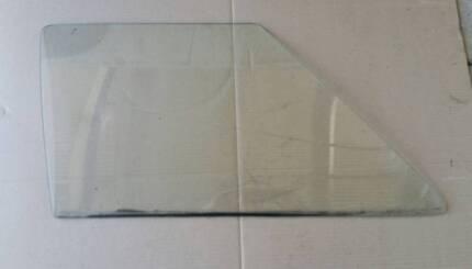 HOLDEN HQ FRONT DOOR GLASS Monaro GTS Kingswood Premier Statesman