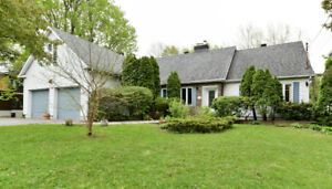 Charming house near all amenities & schools in  West Island