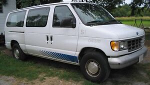 1995 Ford E-150 Minivan, Van