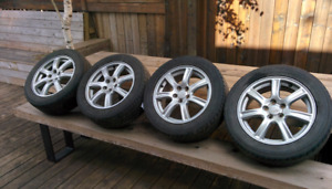 """4 mags 16"""" avec pneus d'été"""