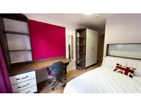 Studio with en suite bathroom and kitchen available from 1st of March to 9th of September. 249 p/w
