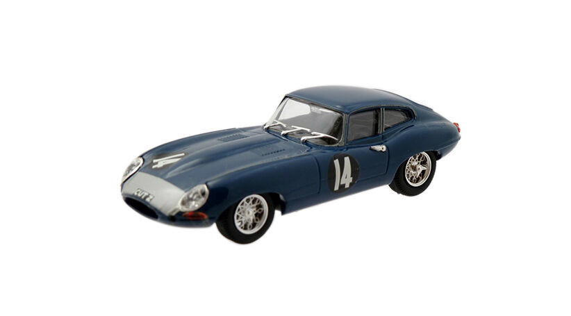 Top Diecast Model Cars to Buy for the Sports Car Enthusiast