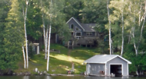 Upscale, modern cotttage for rent on Baptiste Lake (Haliburton)