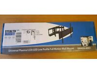 BNIB Cantilever/Pull Out TV Wall Bracket fits up to 70 inch TV