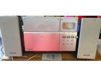 A NICE SILVER PHILIPS MICRO STEREO SYSTEM WITH CD + RADIO & REMOTE