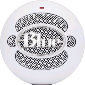 Blue Snowball microphone with suspension boom