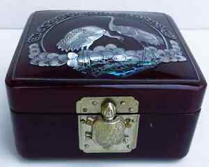 Trinket Box Burgundy Lacquered Mother of Pearl Birds Inlaid West Island Greater Montréal image 2