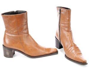 1990s Women's Vintage Chelsea Beatle Cowboy Western Boots