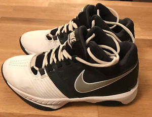 Nike Basketball Shoes - Excellent Condition