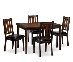 Brand new Dinette Set - Ensemble de salle à manger neuf