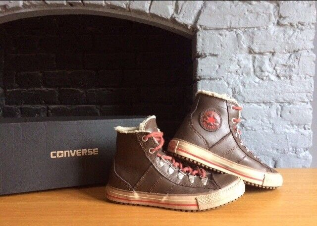 b6c3893ab0b876 UK 2.5 Junior Leather Converse