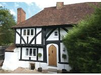 500 year old cottage Holiday Let on park wall Maidstone