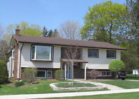 Professionally landscaped home in Strathroy (REF# L215080)