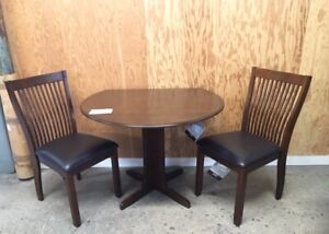 DROP LEAF TABLE / 2 CHAIRS (3 PCE SET)