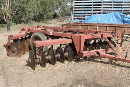 tractor fel plough Warren Warren Area Preview
