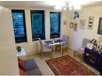 2 bedroom flat in Belsize Avenue, Belsize Park, London, NW3