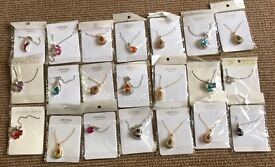 Joblot of 21 costume jewellery necklaces