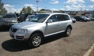 2004 Volkswagen Touareg V8 AWD /LEATHER/ ACCIDENT FREE/1 YR WARR