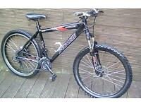 SPECIALIZED SPORT ALUMINIUM BIKE HYDRAULIC DISK BRAKES AND 27 GEARS. 7