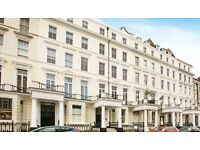 3 bedroom flat in Somerset Court, Kensington, W86