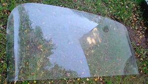 Rear window from 1960 Pontiac,$20 will fit some others Sarnia Sarnia Area image 3