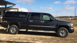 REDUCED!! 2004 GMC Sierra 2500 SLT Diesel