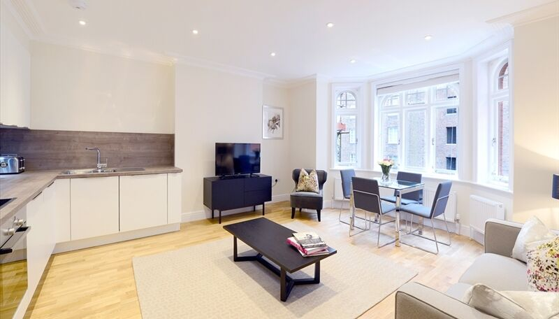 Immaculate spacious 2 bed modern flat in Hammersmith