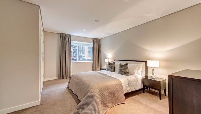 Spacious 2 bedroom flat, furnished, concierge, private parking, available in Merchant Square London