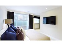 WOW 3B4B with private courtyard, built in wardrobes, furnished in Peony Court Park Walk London RL163