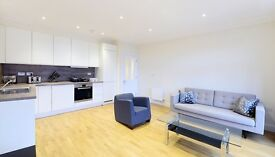 Short Term Let. Brand New two bed flat in Ravenscourt Park must view property!!!