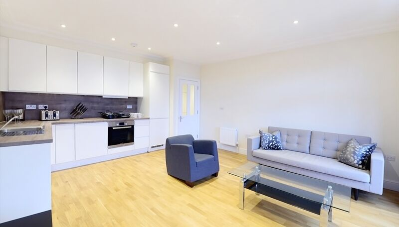 Brand New two bed flat in Ravenscourt Park must view property!!!