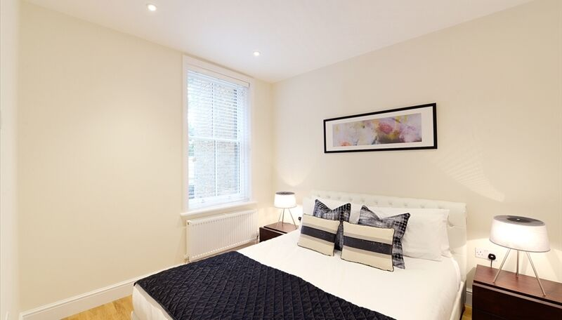 Newly Furnished one bedroom flat in Ravenscourt Park