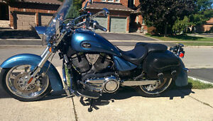 2009 Victory Kingpin Low Mint Condition with Add-ons