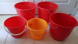 New plastic pails various size