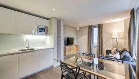 Three bed, two bathroom apartment with stunning views in Paddington Basin W2