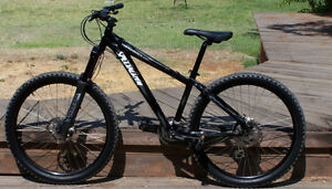 VÉLO SPECIALIZED HARDROCK COMP