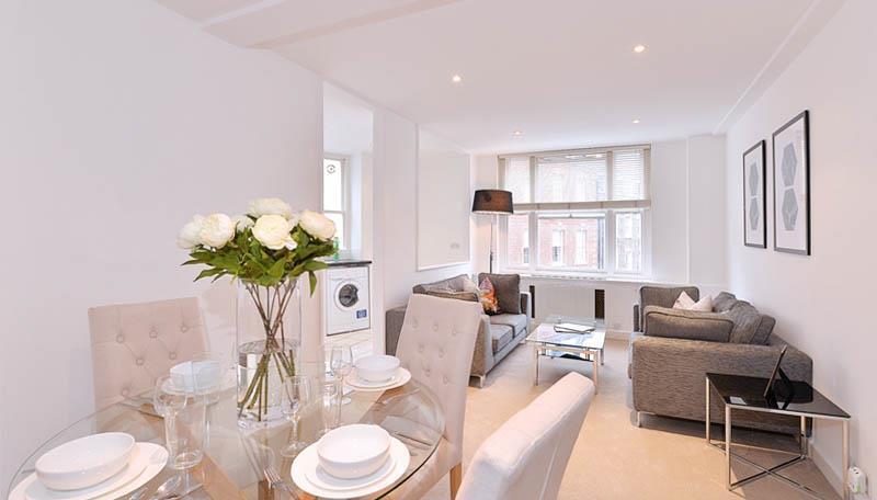 1 bedroom flat in Hill Street, Mayfair