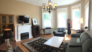 Beautiful Two Bedroom Apartment in Great Location