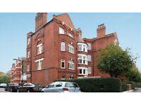 3 bedroom flat in Hamlet Gardens, Ravenscourt Park, W60