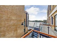 WOW 3 BEDROOM FLAT WITH BALCONY ROOF TERRACE,FURNISHED IN Palace Wharf Apartments Rainville Road