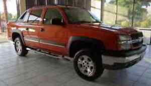 2004 sunburst orange Chevy Avalanche