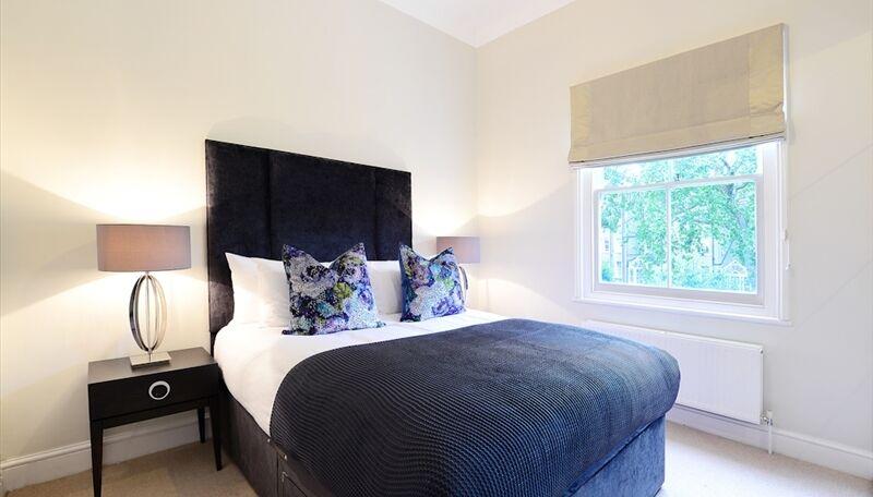 2 bedroom flat in 4, Lexham Gardens, Kensington, W8