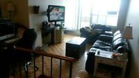TRAFALGAR/QEW AREA - ROOM FOR RENT TO STUDENT OR PROFESSIONAL