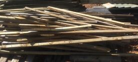Large quantity of reclaimed batoning type timber